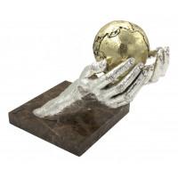 """Скульптура """"Я предлагаю тебе весь мир"""" серебро"""