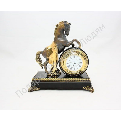 """Настольные часы """"Конь с попоной"""""""