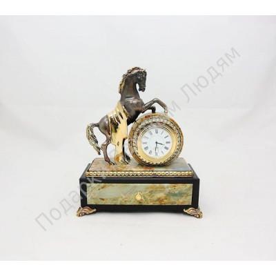 """Часы со шкатулкой """"Конь с попоной"""""""