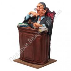 """Скульптура """"Судья"""""""